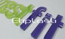 Letras de acrílico adesivadas